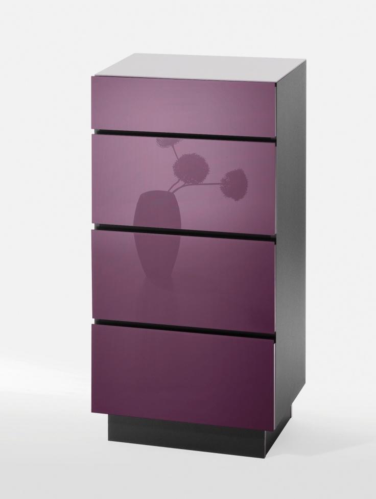 ber ideen zu lila kommode auf pinterest lila m bel lila schreibtisch und lila k che. Black Bedroom Furniture Sets. Home Design Ideas