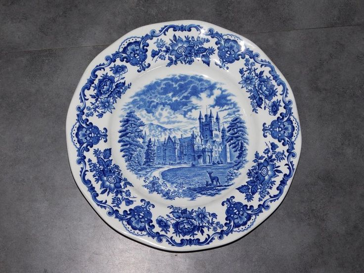 ASSIETTE ANGLAISE ROYAL HOMES OF BRITAIN DIAMETRE 25CM  ENOCH WEDGWOOD