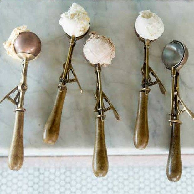 Vintage Style Ice Cream Scoop