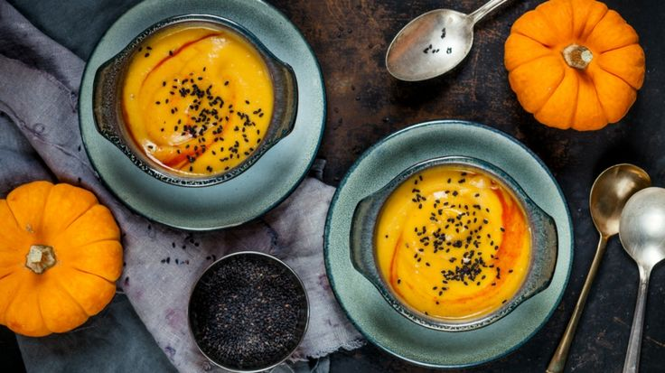 Hoffentlich können wir Sie mit dem folgenden Kürbissuppe Rezept erfreuen. Zu diesem können Sie ein leckeres, hausgemachtes Pesto zubereiten...