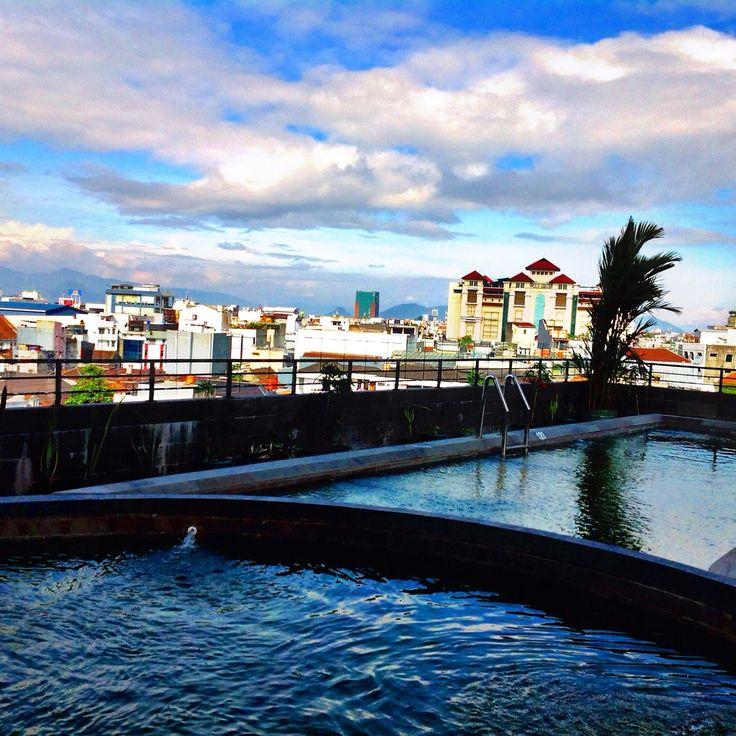 """When life gets u down you know what u gotta do? Just keep swimming."" - Dori  Gino Feruci Braga Hotel Jl Braga 67 Bandung"