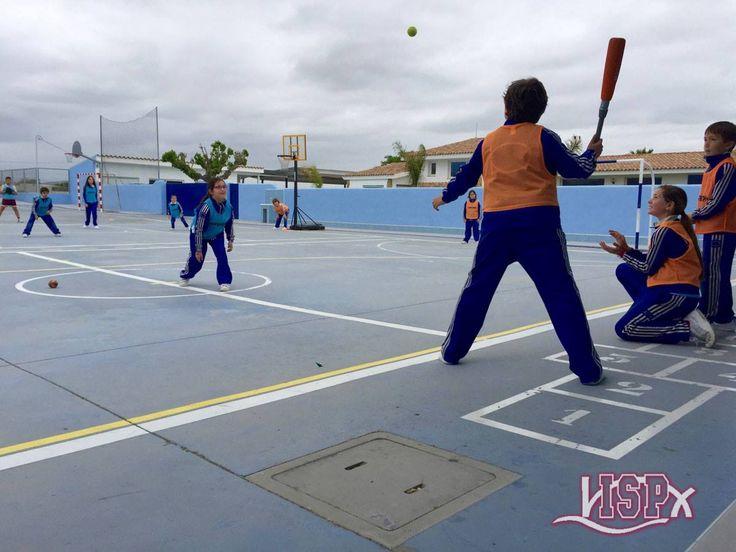 Campus deportivo: actividades estimulantes para los participantes en el #EasterCampISP ¡Se lo pasan genial!. 🚴🏼 ⚽️🏀 #CampusPascuaISP