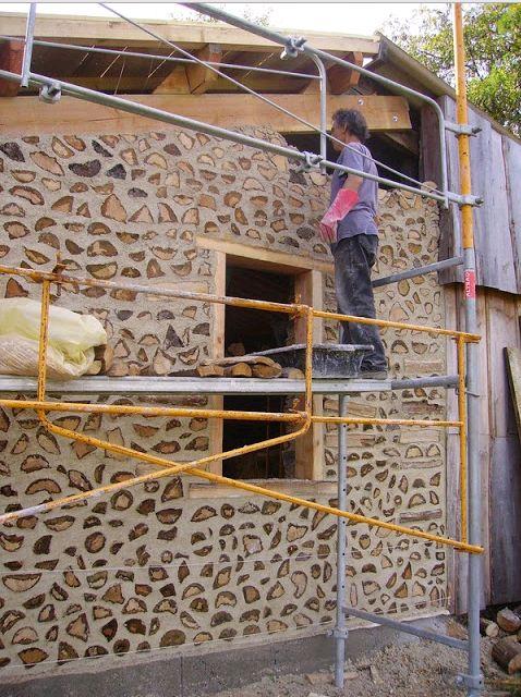 Видео:Как сделать дом из порезанных поленьев дров. | Столярный блог.