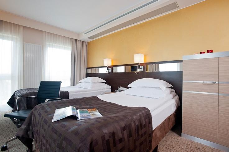 www.dobryhotel.com; www.hotelarkonpark.pl; www.villaaqua.pl; www.rozanygaj.pl; www.sedan.pl;  www.hotelbonum.pl; www.hotelgrandcru.pl; www.hotelunicus.pl