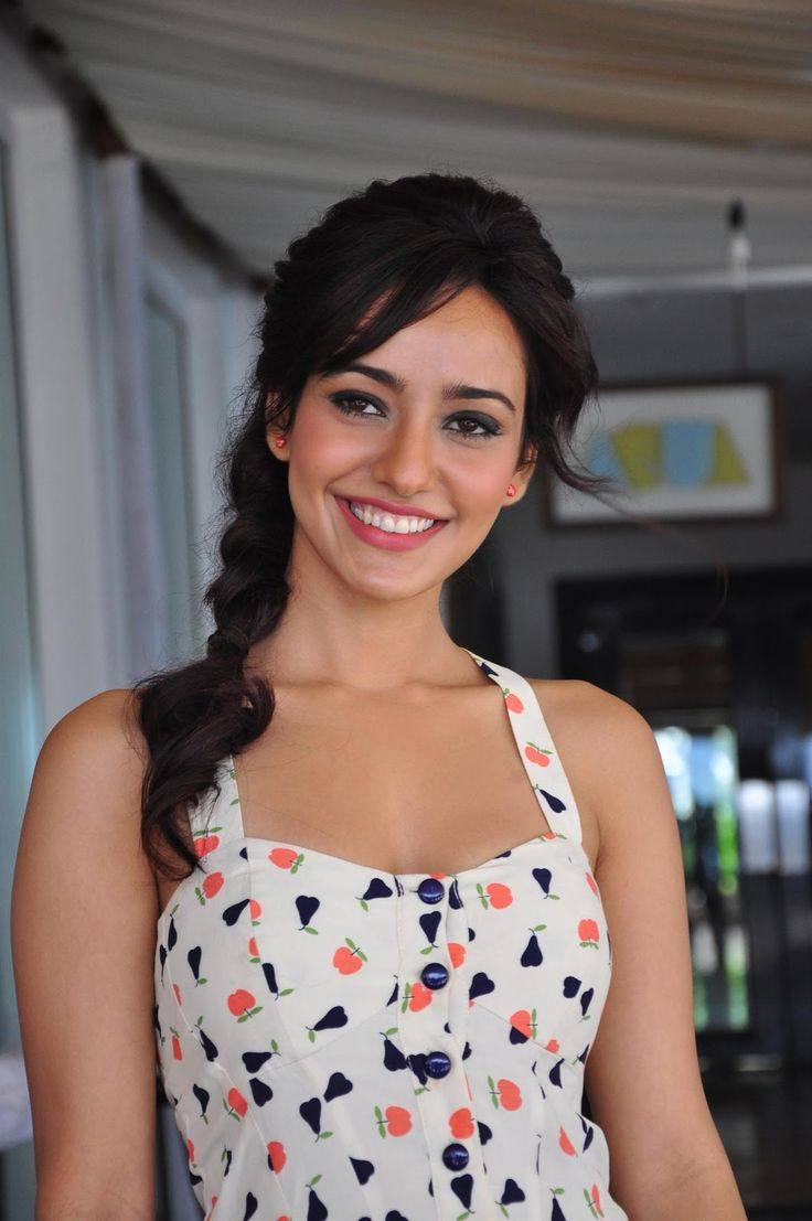 Neha Sharma Fantastic HD Photos & Wallpapers - HD Photos