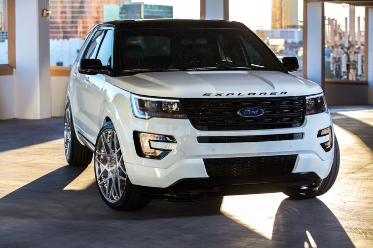 2016 Ford Explorer Sport Car Wallpaper