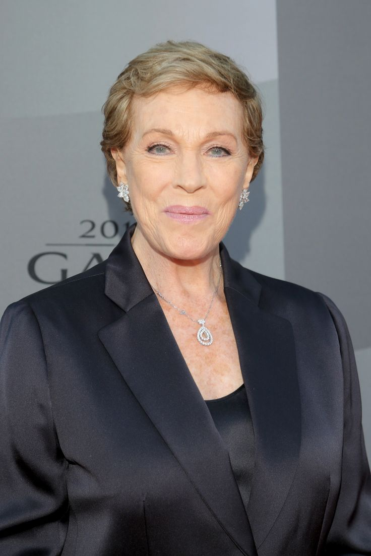 Julie Andrews to Star in Her Own Netflix Show in 2017 ...