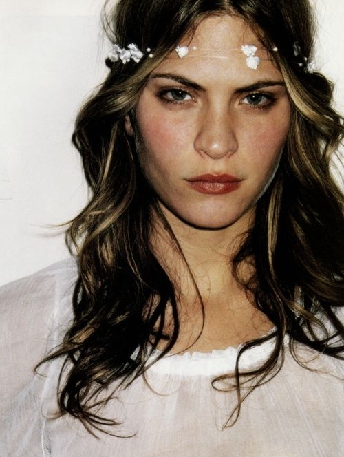 Frankie Rayder in Vogue Paris April 2001 by Terry RichardsonFace, Fashion, Hair Colors, Flower Crowns, Wavy Hair, Frankie Rayder, Beautiful, Flower Girls, Floral Crowns