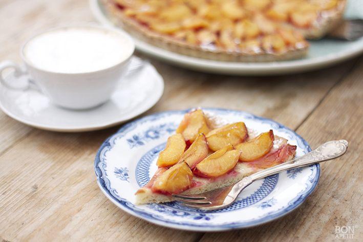 Een heerlijk Limburgs gerecht is natuurlijk proemenvlaai (pruimenvlaai). In dit seizoen zijn er volop pruimen verkrijgbaar. Kijk op Bonapetit voor recept!
