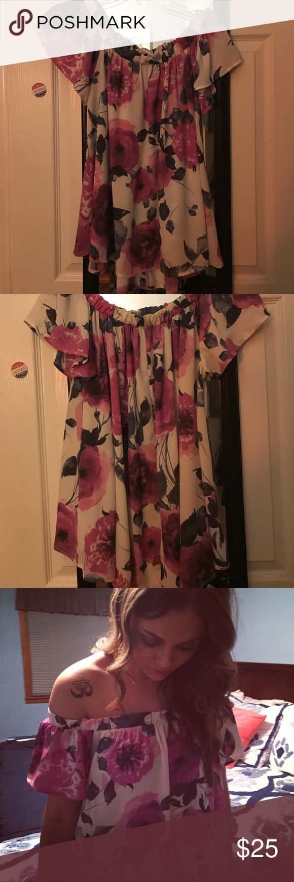 Off the shoulder floral top Worn once! No size on tag but I believe I bought a small. Fits like a small/medium. Bought from 1 happy girl boutique. style rack Tops