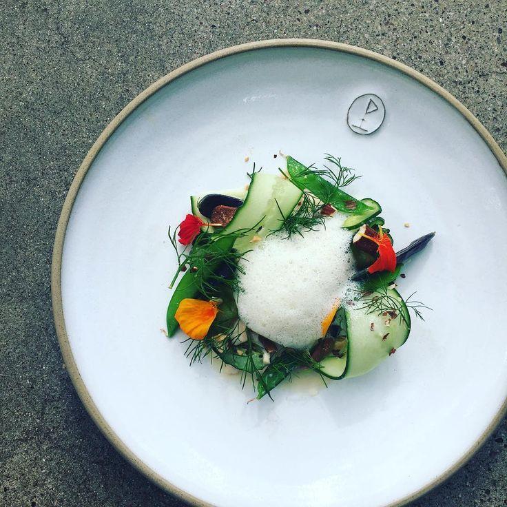 Ny rätt på menyn ikväll! Sotad torsk med gurka, sockerärtor och miso! #eko #krav #lillabjers #krog #visby #gotland