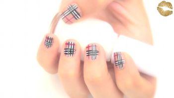 Pintado de uñas Burberry