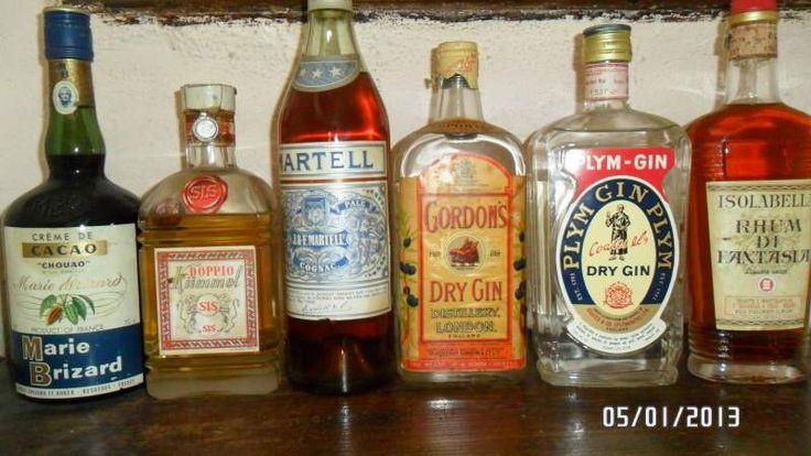 Collezione bottiglie liquori antiche