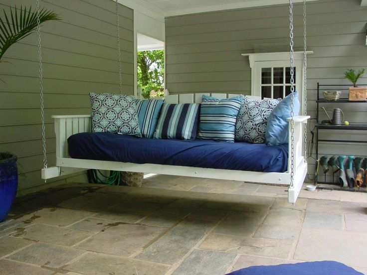 Best Porch Swings Design Ideas ~ http://www.lookmyhomes.com/enjoy-the-warmth-of-the-family-along-with-porch-swings/
