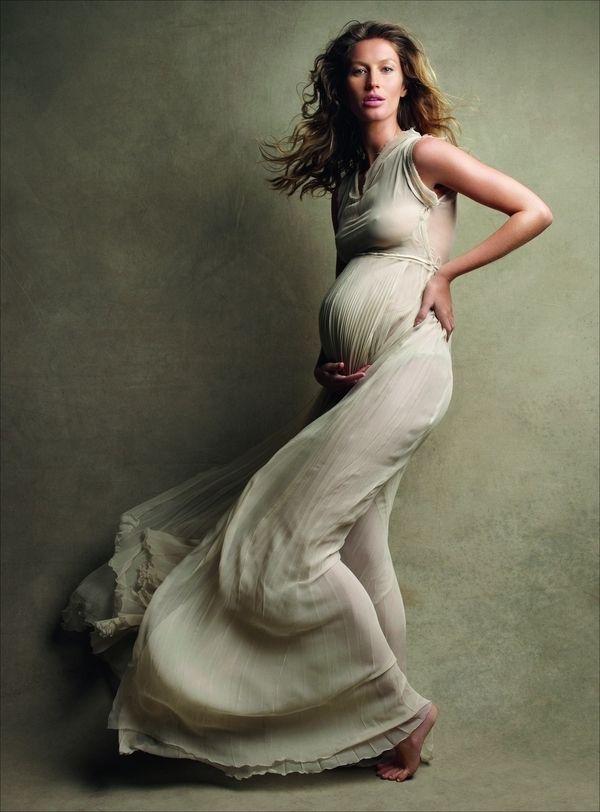 studio maternity shoot by patrick demarchelier