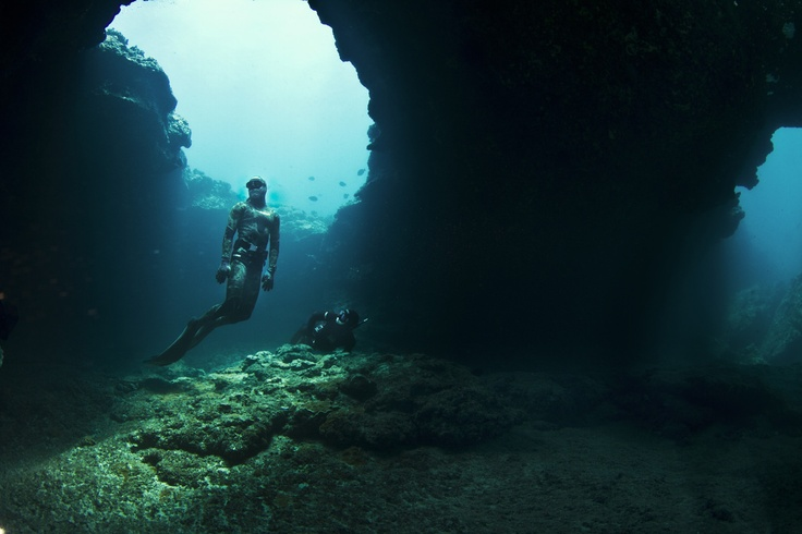Makaha Caverns, Oahu, Hawaii. Makaha Vacation Rental ... Underwater Fish Tumblr