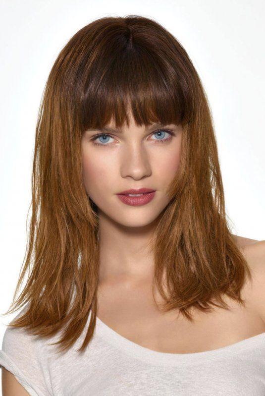 coiffure a frange droite