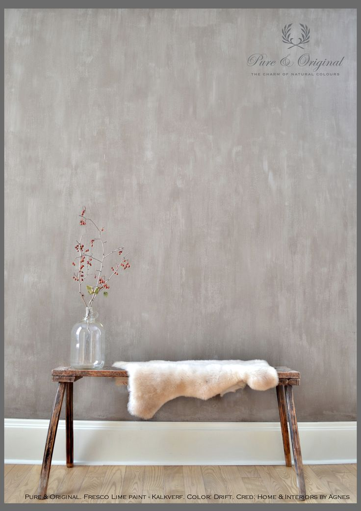 Fresco Lime Paint - Kalkverf in the color Drift. This is perfect.... Cred. www.homeandinteriorsbyagnes.com. More inspiration on www.pure-original.com