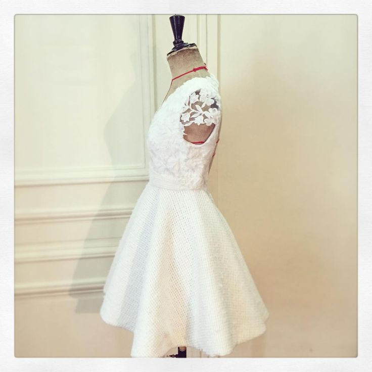 #wedding #dress #etiennejeanson #couture #paris #france #luxe #fashion #ootd #weekend #party #bestoftheday #canicule2015 #outfit #white #lace