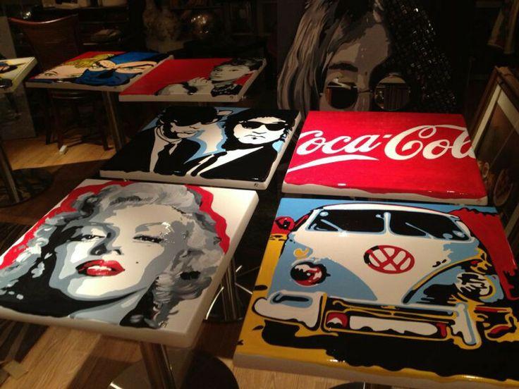 Tavoli da bar dipinti a mano