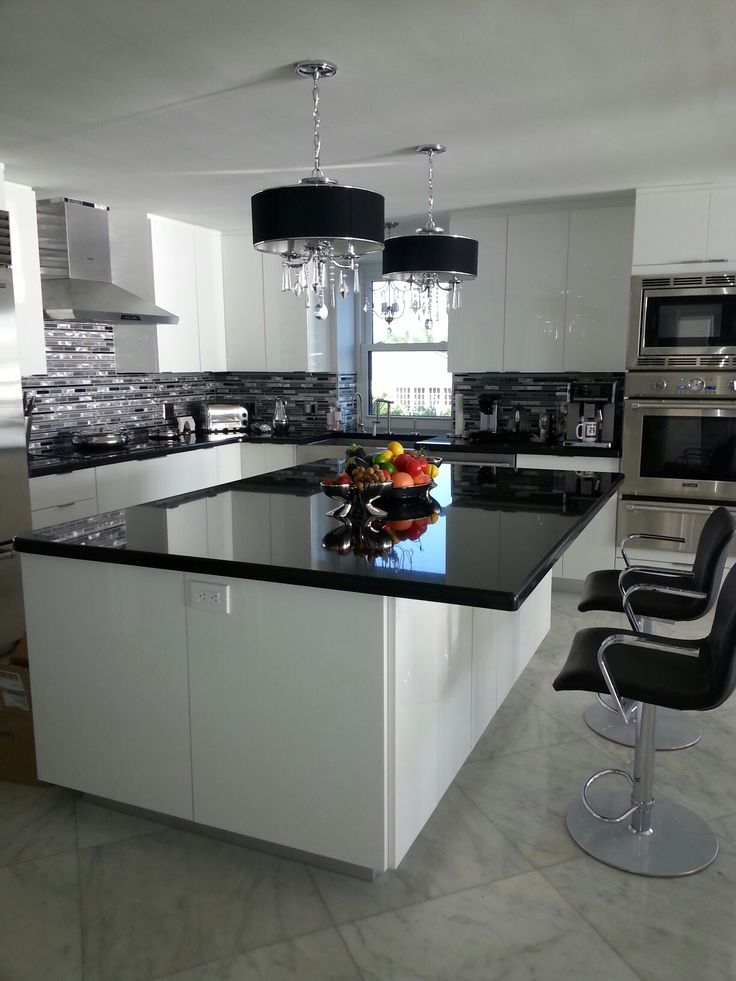Simple Black and white kitchen remodel Innermost cabinets - Amazing innermost cabinets