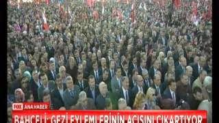 Başbakan'ı eleştirirken ses tonu hiç değişmiyor Devlet Bahçeli'nin yine aynıydı Ankara'da Miting yaptı MHP Lideri Öğrenci Evleri üzerinden Başbakan Erdoğan'ı hedef aldı Bahçeli'nin Gezi Olayları hatırlatması dikkat çekti gençlere seslendi