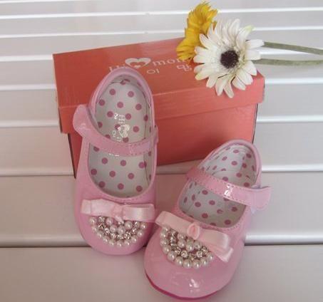 Весенние ботинки для маленьких девочек