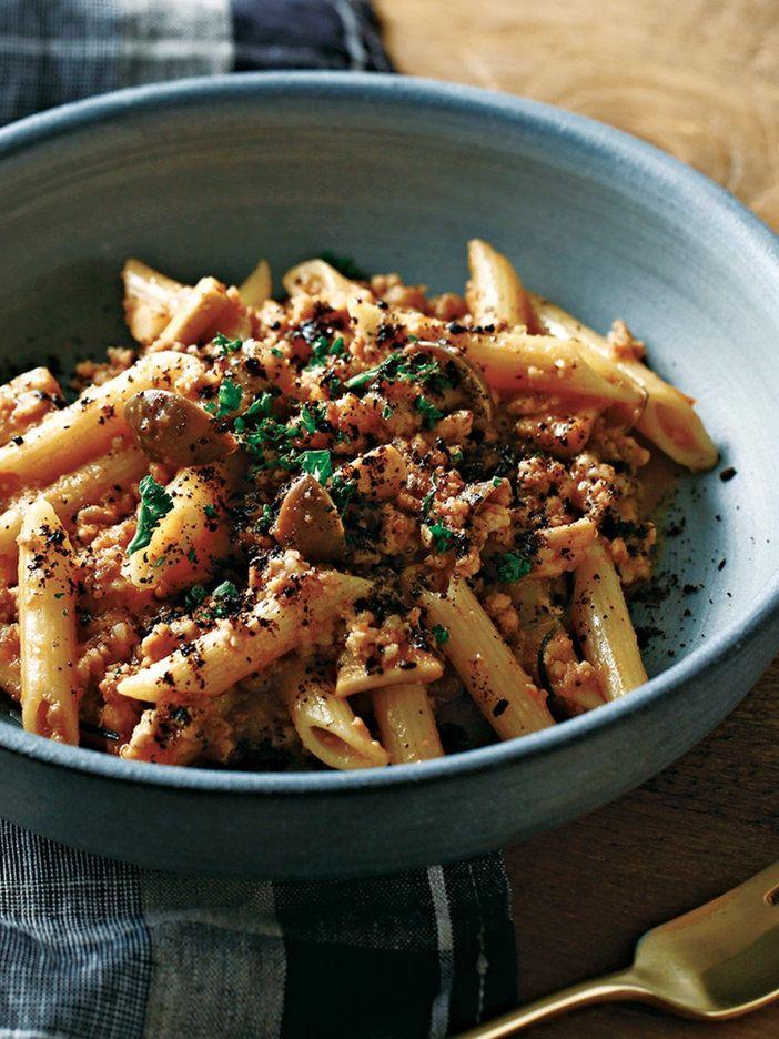 濃厚なソースをピリリと黒七味が引き締める|『ELLE gourmet(エル・グルメ)』はおしゃれで簡単なレシピが満載!