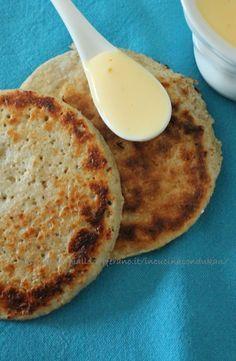 Gallette Dukan (Italiano) eceta básica: 2 cucharadas de salvado de avena (total 30 g) 3 cucharadas de yogur bajo en grasa (natural, griego está muy bien también) una pizca de sal (pero no) 3 cucharadas de leche descremada (o desnatada) 1 clara de huevo o huevo entero (yo prefiero blanco)