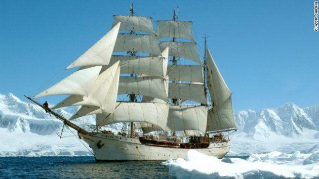 「トールシップ」は、背の高い複数のマスト、巨大な帆、長く細い船体を特徴とする大型帆船の呼称だ=Classic Sailing提供