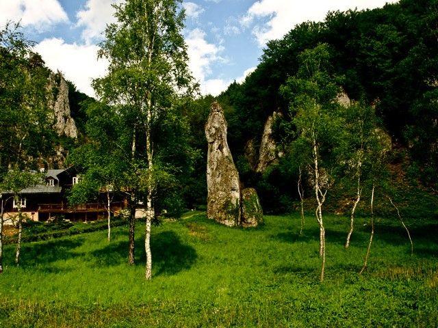 Ojcowski Park Narodowy  http://krakowforfun.com/pl/2/wycieczki/ojcowski-park-narodowy