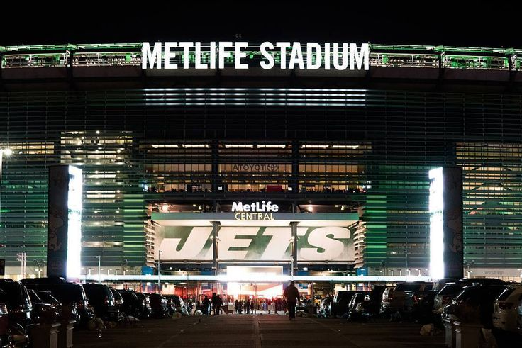 Metlife Stadium is shared by NY #Giants and NY Jets but for tonight it is for the NY #Jets! Thanks @rl_51_photography! #SuperTailgate  #tailgate #tailgating #win #letsgo #gameday #travel #adventure #stadium #party #sport #ESPN #jersey #sports #league #SportsNews #score #love #Football #NFL