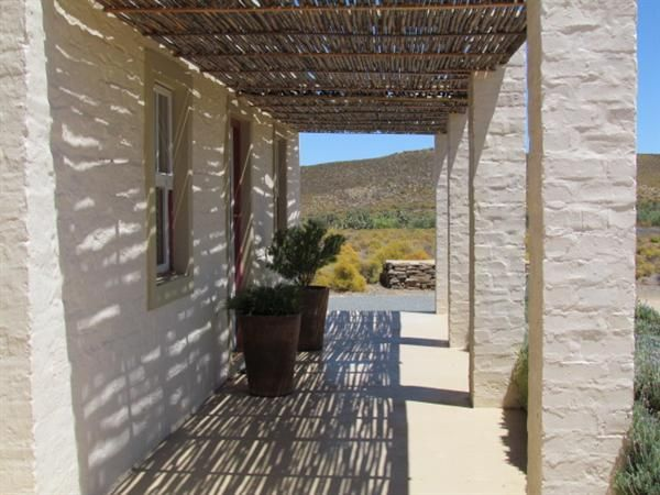 Keurkloof Karoo Cottage accommodation near Matjiesfontein, Western Cape. Lying just off the N1 and only 10km from the pleasures of Matjiesfontein, Keurkloof is a massive Karoo farm offering a self-catering weekend at its soul-soothing best.