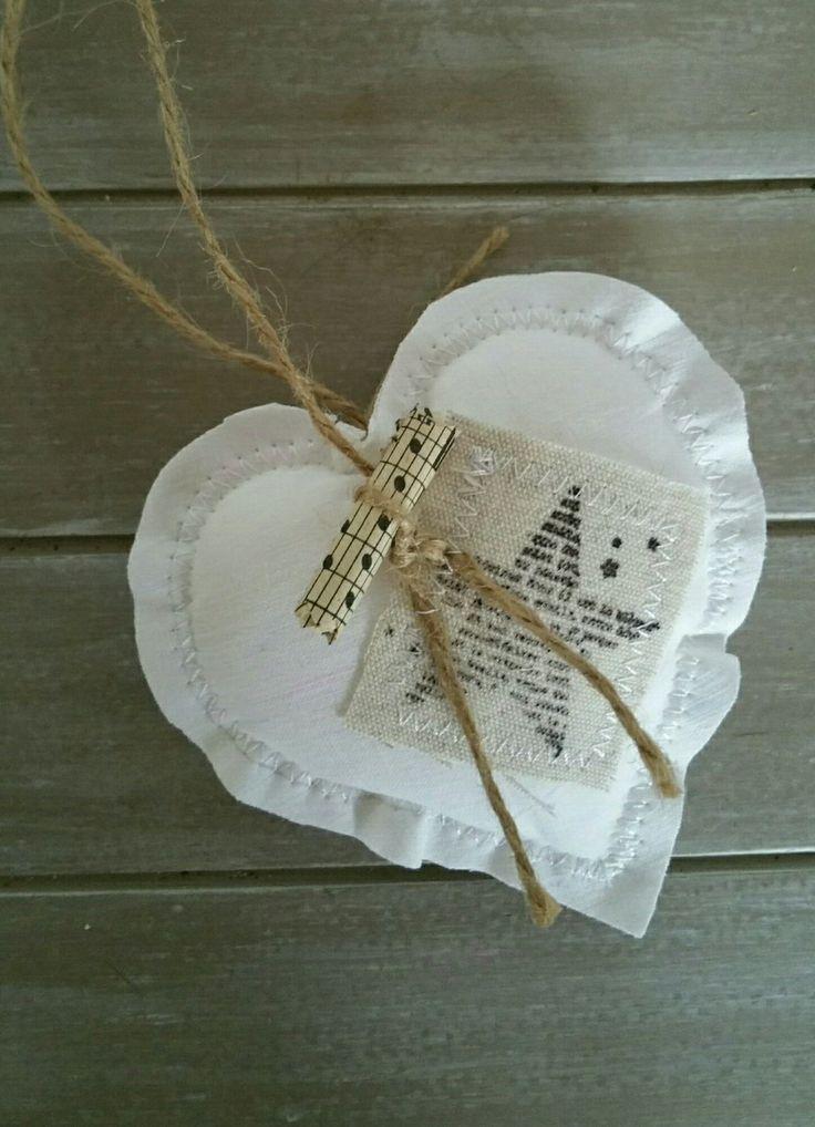 Coeur en tissu blanc naturel cosy : Accessoires de maison par lestresorsdisa68