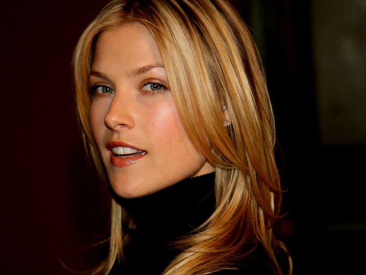 The sophisticated Ali Larter ...  How could anyone not love this girl?