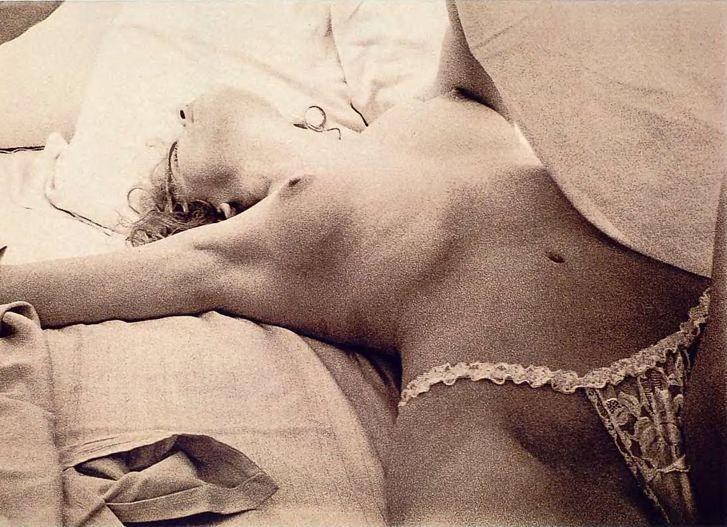 Así fue presentada Sharon Stone por la revista Playboy en julio de 1990… >>