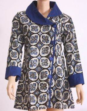 model-baju-batik-atasan-wanita