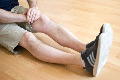 Exercises for Stiff Knees. Stiffness in the knees means the loss of range of motion. To prevent stiffness and rehabilitate stiff knees, use a series of range-of-motion exercises. Work at these exercises until you can do these 30 times twice a day. Once the exercises are finished, wrap an ice pack in a washcloth or dishtowel and apply it to your...