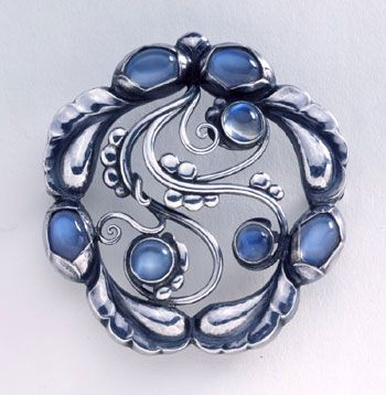 Brooch; 1914. Collection of George Jensen a danish gentleman.