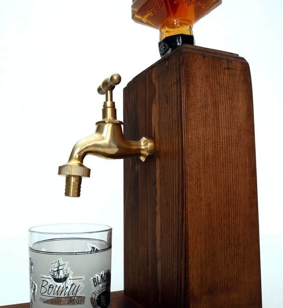 Dispensador de alcohol de madera hecho a mano / dispensador de