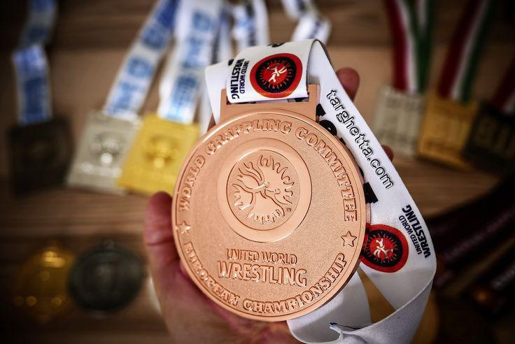 http://www.medagliesportive.it il primo sito in Italia totalmente dedicato alle medaglie sportive per gare e competizioni.