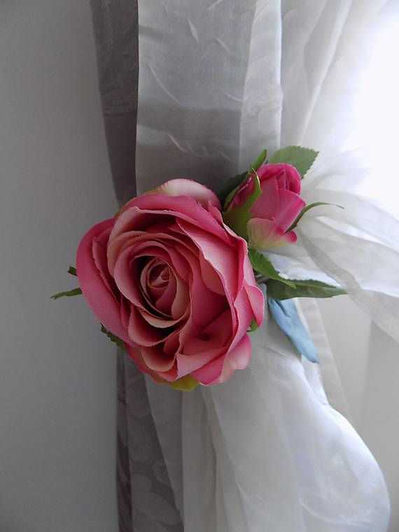 Shabby chic pink roses tieback with decorative AB clear crystals, curtain tiebacks drapery holders  Made with AAA Bohemian degradating clear crystals with splendid Aurora Borealis reflections and a blossom of 3 pink silk roses. They will add an elegant touch to your curtains. Big