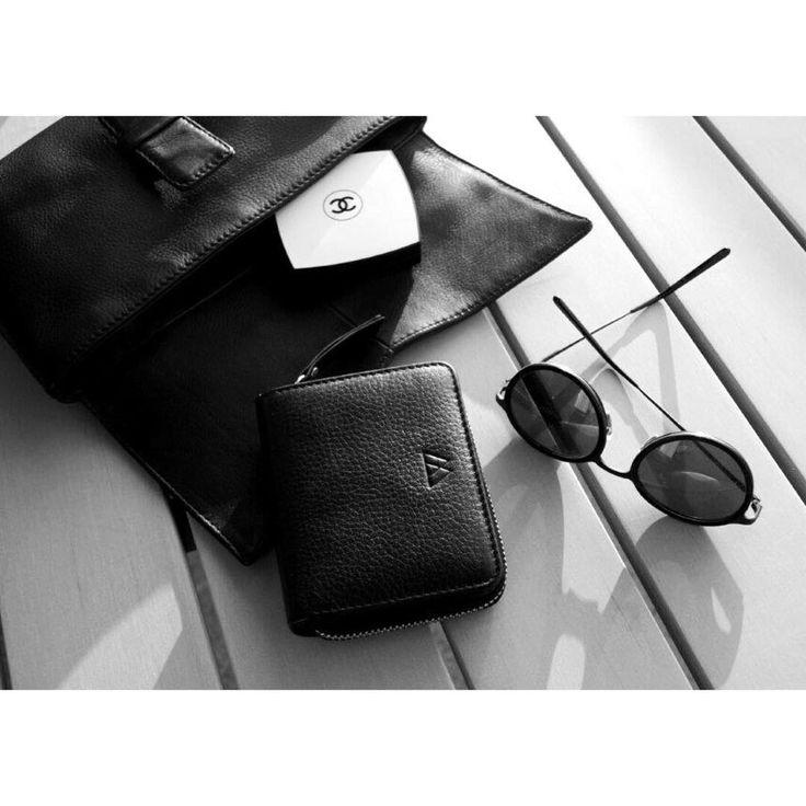 Markberg Instagram Addicted to simplicity •• Delta Wallet & Palermo Crossbody Clutch 👏🏼