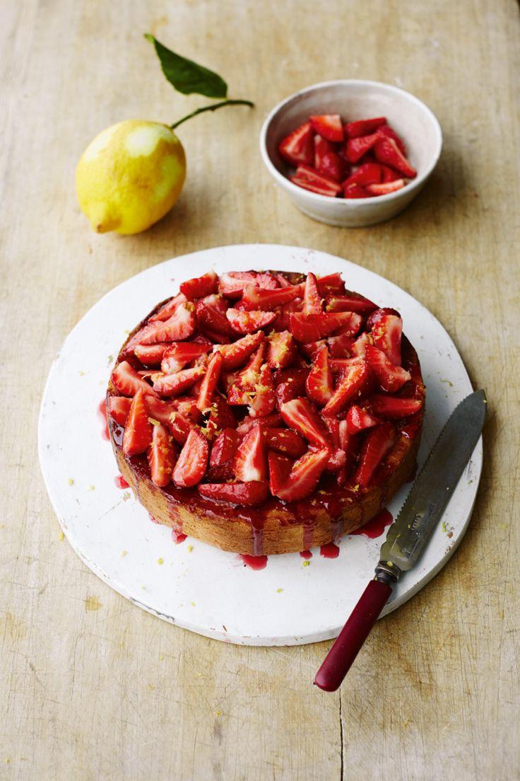 Italian Strawberry SpongeCake | Relish.com