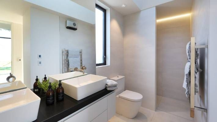 Grand Designs Nz Dunedin Beach Crib Is A Diy On The Side Project Narrow Bathroom Designs Bathroom Counter Designs Grand Designs