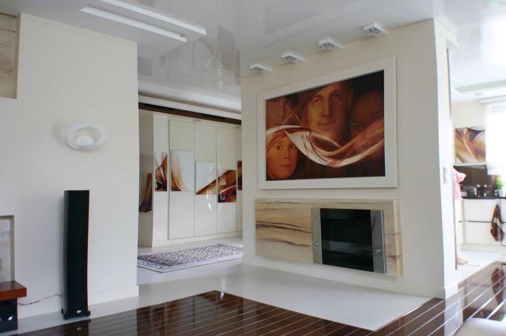 Kominek w salonie/ fireplace in the living room