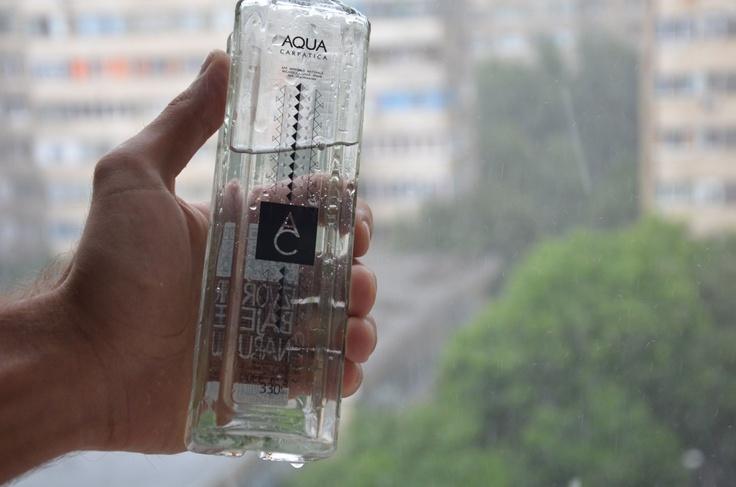 Cum sa te feresti de deshidratare pe perioada verii: http://blog.aquacarpatica.com/cod-rosu-de-deshidratare/aqua-carpatica