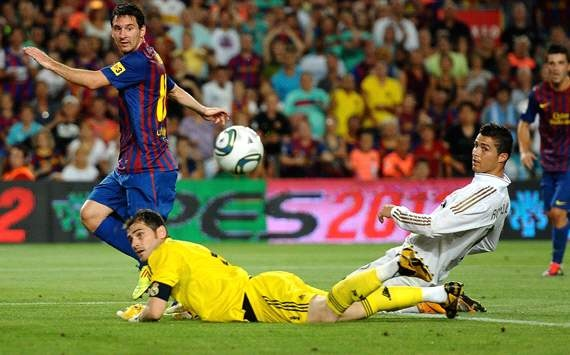 ¿Le remontará el Barcelona al Real Madrid?                            El campeón contra el aspirante. El duelo más espectacular ha cambiado de guión. Ahora son los merengues los que están por encima del eterno rival. ¿Quién ganará la Liga?