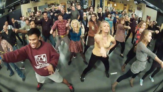 Awesome...  'Big Bang Theory' Cast Surprises Showrunners With 'Call Me Maybe' Flash Mob