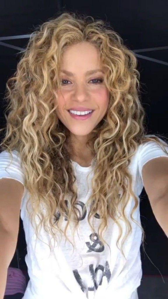 Luchshie Pricheski S Himicheskoj Zavivkoj Hair In 2020 Curly Hair